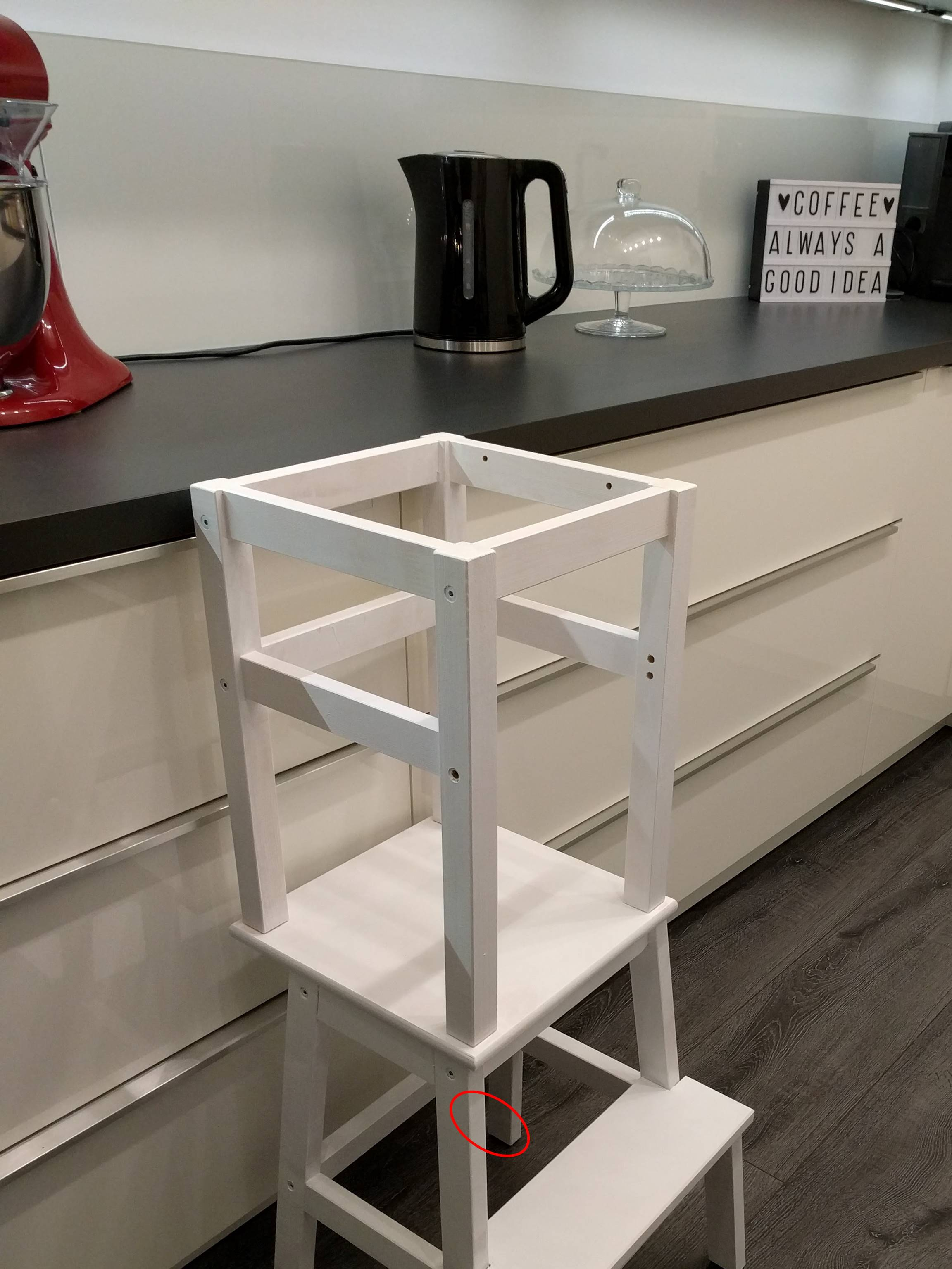 DIY Learning Tower – Ikea Hack – gabelschereblog