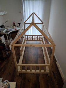 DIY Hausbett für Kinder 4