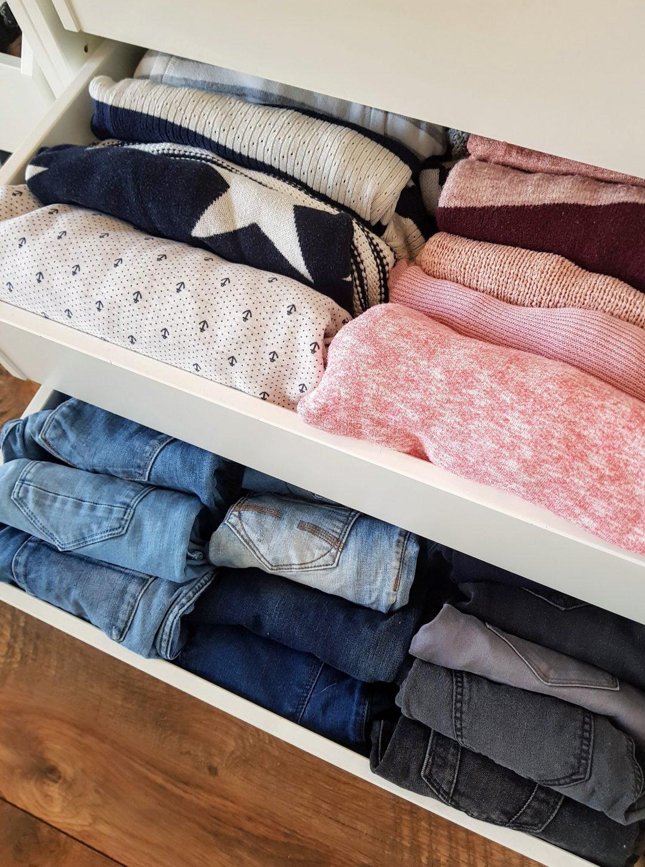 b753b8518605 Die KonMari-Methode: Den Kleiderschrank aufräumen – gabelschereblog