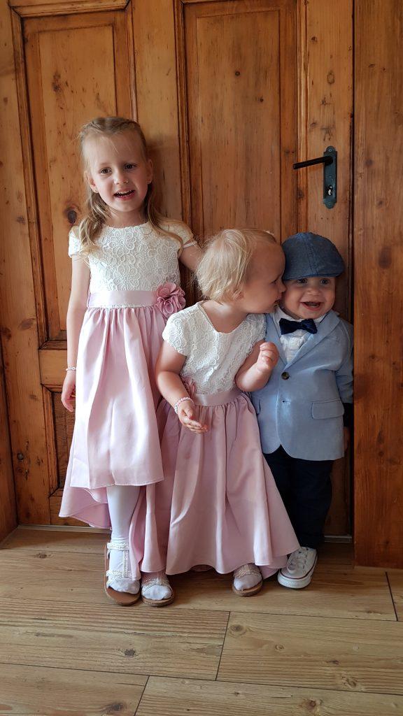 Hochzeitsgast mit Kleinkindern 2 e1558080354355